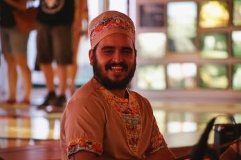 Espetáculo Minha Pequena África. Rafael Peixoto - Percussão. Foto: Rafaella Ribeiro