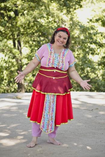 Viviane Oliveira. Espetáculo Minha Pequena África. Foto: Rafaella Ribeiro/Divulgação